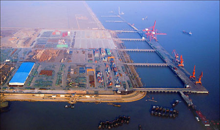 Taicang port tops container throughput among Yangtze River ports