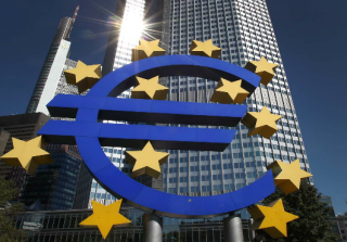 Euro Banks to Increase Bad Shipping Loan Provisions by Quarter