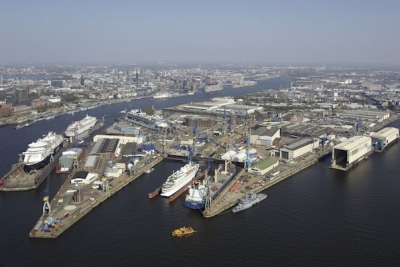 Oil price tumble puts further squeeze on German shipyards