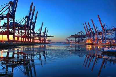 Shanghai port group looking to invest in German ports