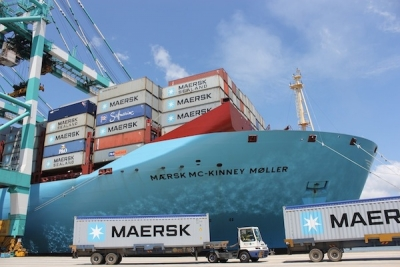 Maersk Line sees Q2 profit dip as average freight rates fall 14.1%