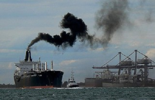 MEPs: Paris Emissions Reduction Deal Should Include Shipping