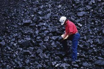 China's October coal imports tumble 31% on year to 13.96 million mt