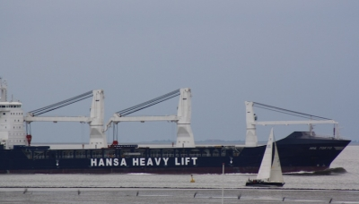 Hansa Heavy Lift opens new offices in Dubai and Brazil