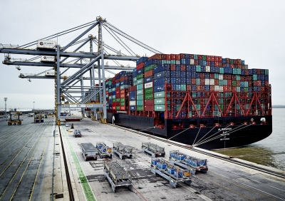 UASC vessel carries biggest ever box cargo from Asia to Europe