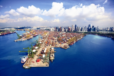 Singapore issues first LNG bunker supplier licenses