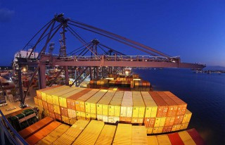Survey: Industry Urged to Shift to Smart Shipping and Big Data
