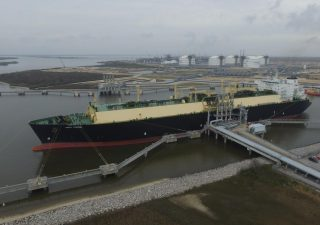 Drewry: No Recovery for LNG Shipping Rates until 2018