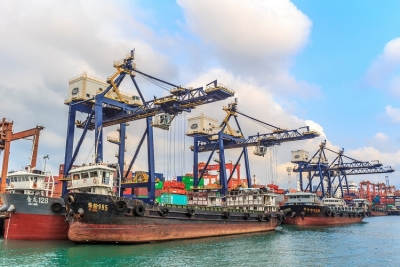 HIT tops Pearl River Delta barge throughput in 2015