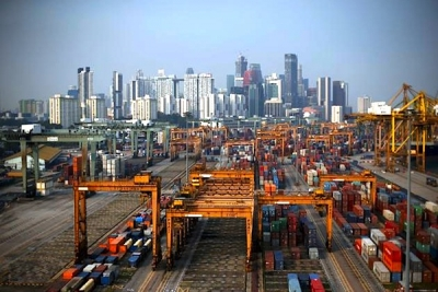 Singapore port container volumes inch up in May