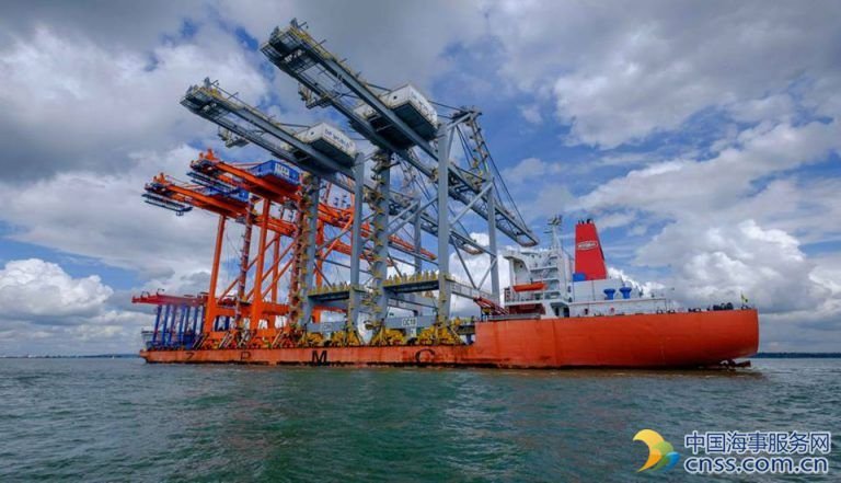 Gallery: Two Giant Cranes Arrive at London Gateway