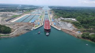 Panama Canal to Close Gatun Locks' Lane for Maintenance