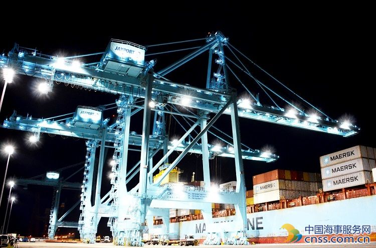 VIDEO: Jaxport's New Electric Cranes Move First Boxes