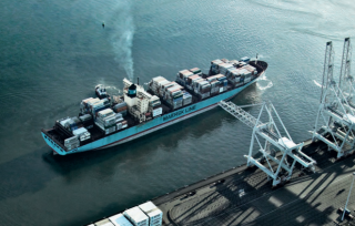 Maersk Line Delays Nine Deliveries, Sinks into Red