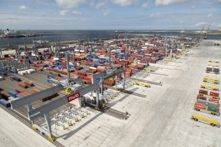 Port of Rotterdam Off to a Good Start as It Predicts Favorable Container Year