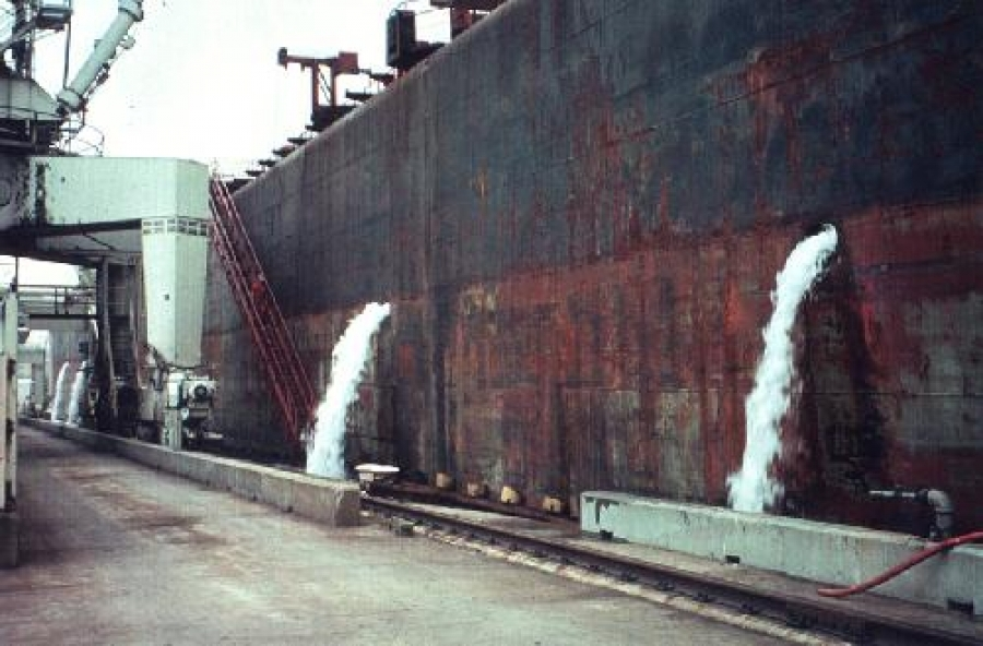 ICS backs proposal to delay ballast water convention implementation for existing ships