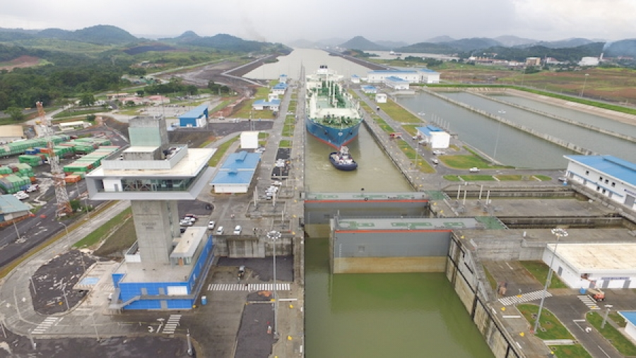 Panama Canal sees record annual cargo tonnage