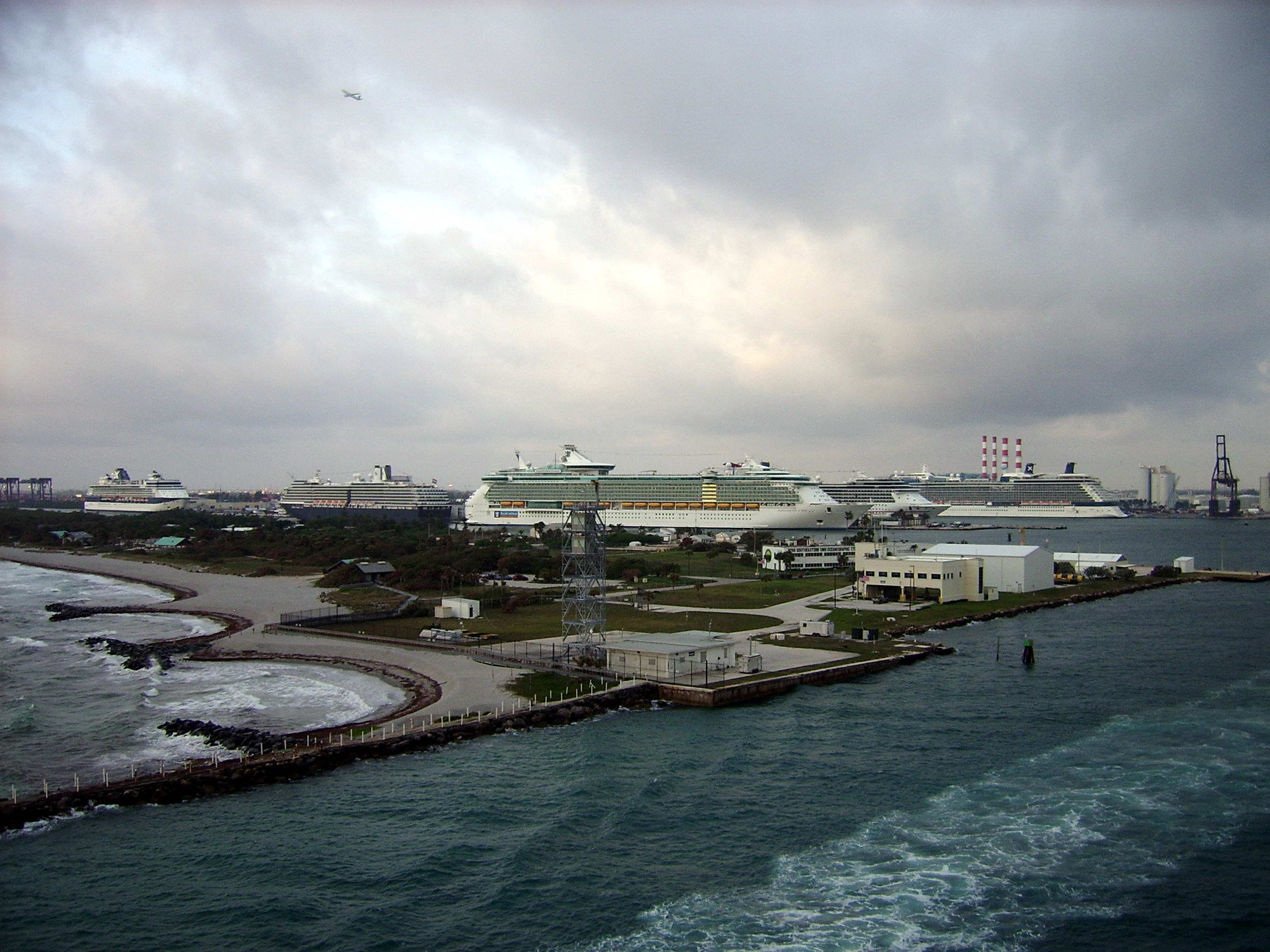 Port Everglades, FL, U.S.A.